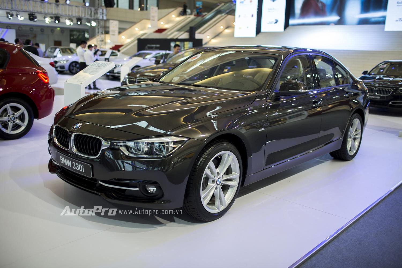 Mẫu xe BMW 330i.