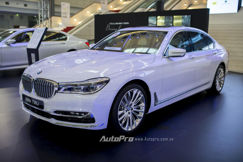... Và mẫu xe BMW 750Li.