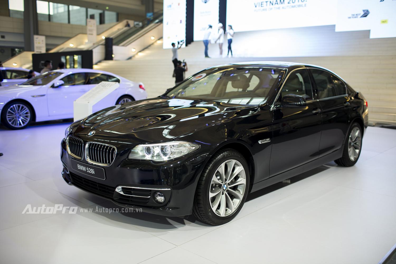 Mẫu xe sedan BMW 528i.