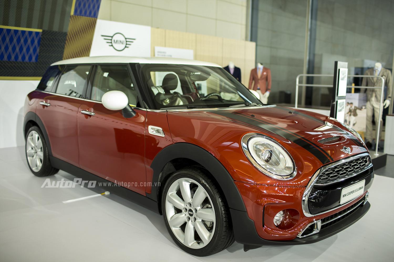 Một mẫu xe mới được ra mắt cách đây không lâu của MINI là Clubman cũng xuất hiện tại BMW World Vietnam 2016 với mức giá từ 1,711 tỉ đồng cho cho bản Cooper Clubman và 1,872 tỉ đồng cho bản Cooper S Clubman.