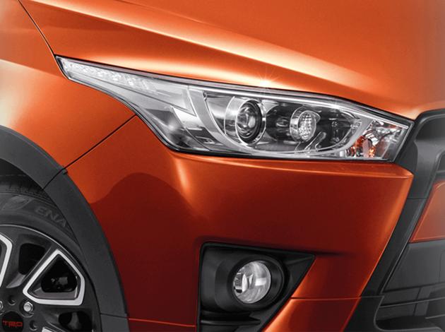 Động cơ của Toyota Yaris TRD Sportivo 2016 vẫn là loại máy xăng 4 xy-lanh, Dual VVT-i, dung tích 1,2 lít, sản sinh công suất tối đa 86 mã lực tại vòng tua máy 6.000 vòng/phút và mô-men xoắn cực đại 108 Nm tại vòng tua máy 4.000 vòng/phút. Động cơ kết hợp với hộp số tự động Super CVT-i.