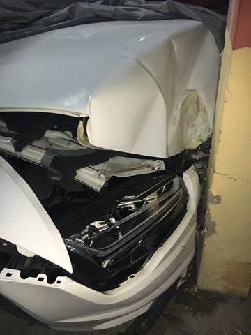Chiếc Audi bị hỏng đáng kể phần đầu xe. Ảnh: Otofun