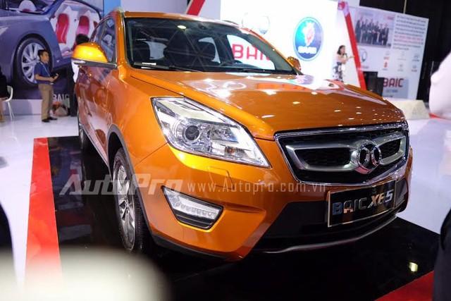 BAIC X65 trong triển lãm Ô tô Quốc tế Việt Nam 2015.