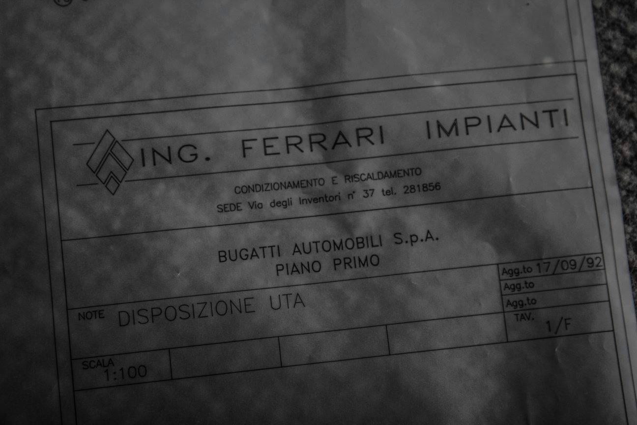 Vào năm 1992, nhà doanh nghiệp người Ý, ông Romano Artioli, từng là chủ sở hữu của hai nhãn hiệu xe hơi nổi tiếng Bugatti và Lotus, nộp đơn xin phá sản. Phải đến hơn 6 năm sau, nhãn hiệu siêu xe Bugatti mới được hồi sinh dưới bàn tay của tập đoàn Volkswagen.