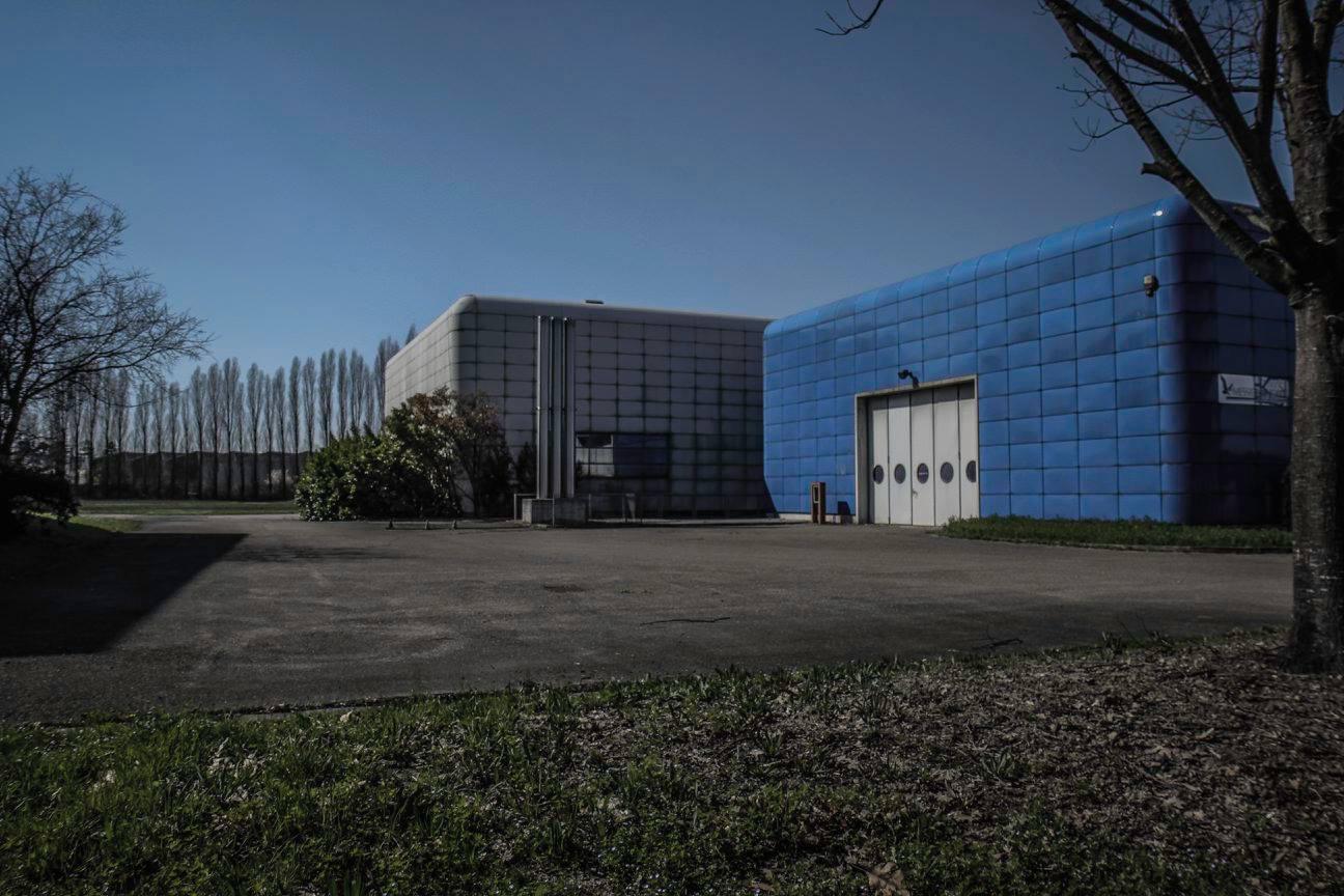 Hình ảnh hoang toàn của nhà máy tại Campogalliano khiến nhiều người nhớ lại thời kỳ đen tối nhất trong quá trình phát triển của nhãn hiệu Bugatti vào đầu thập niên 90.