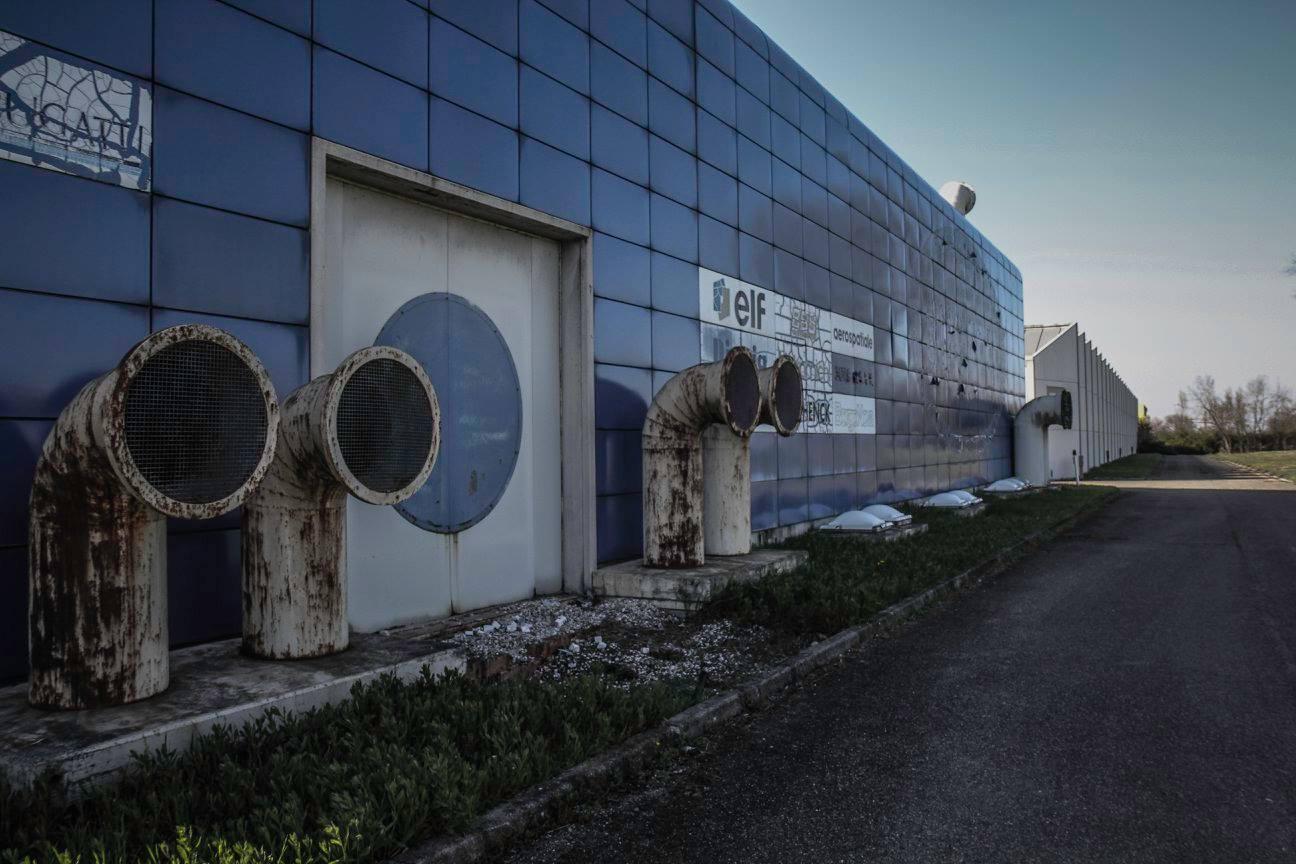 Hiện ông Pavesi làm việc cho một công ty luật đến từ Rome. Công ty này đã mua mảnh đất chứa nhà máy của Bugatti trong một phiên đấu giá cách đây 4 năm.