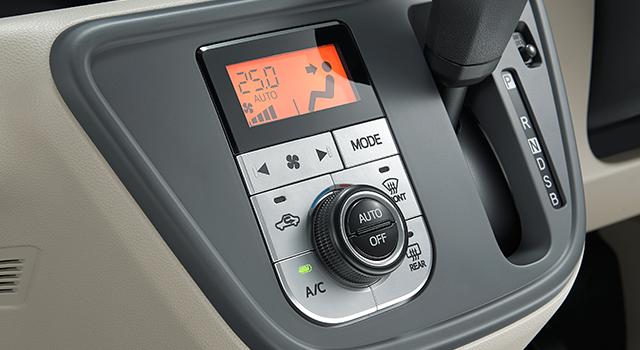 Mức tiêu thụ nhiên liệu của Toyota Passo dẫn động cầu trước là 28 km/lít, tương đương 3,57 lít/100 km. Con số tương ứng của phiên bản dẫn động 4 bánh là 24,4 km/lít hay 4,1 lít/100 km.