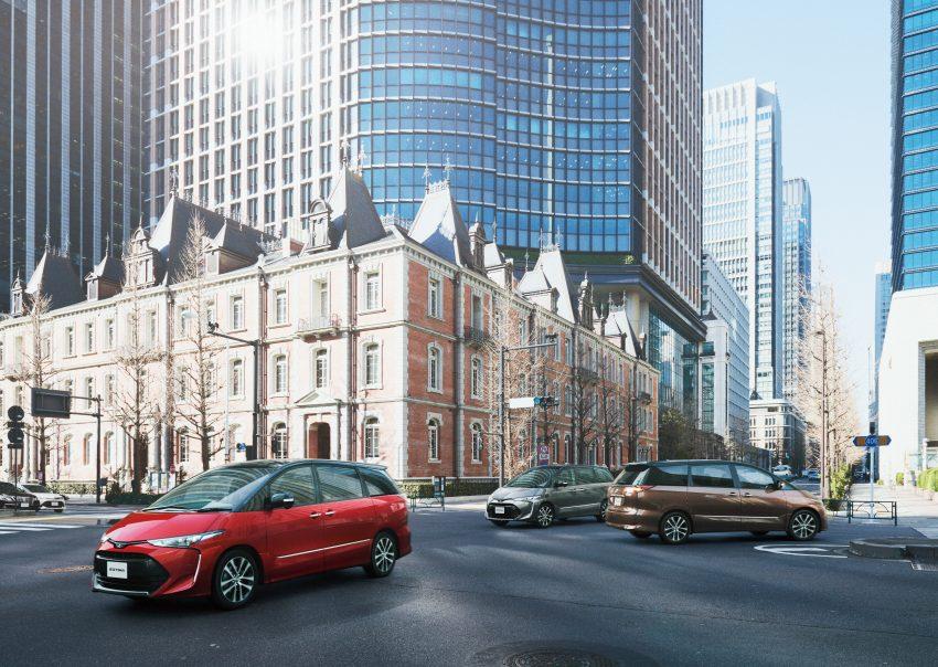 Tại thị trường Nhật Bản, Toyota Previa 2016 có 2 tùy chọn là máy xăng và hệ dẫn động hybrid. Trong đó, máy xăng V6, dung tích 3,5 lít cũ đã biến mất, thay bằng loại 4 xy-lanh, dung tích 2,4 lít, sản sinh công suất tối đa 170 mã lực và mô-men xoắn cực đại 224 Nm. Sức mạnh được truyền tới cầu trước thông qua hộp số Super CVT-i.