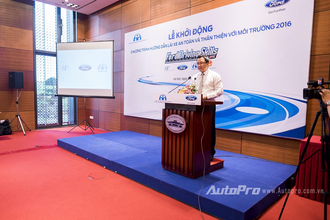 Ông Khuất Việt Hùng - Phó Chủ tịch chuyên trách Ủy ban An toàn giao thông Quốc gia.