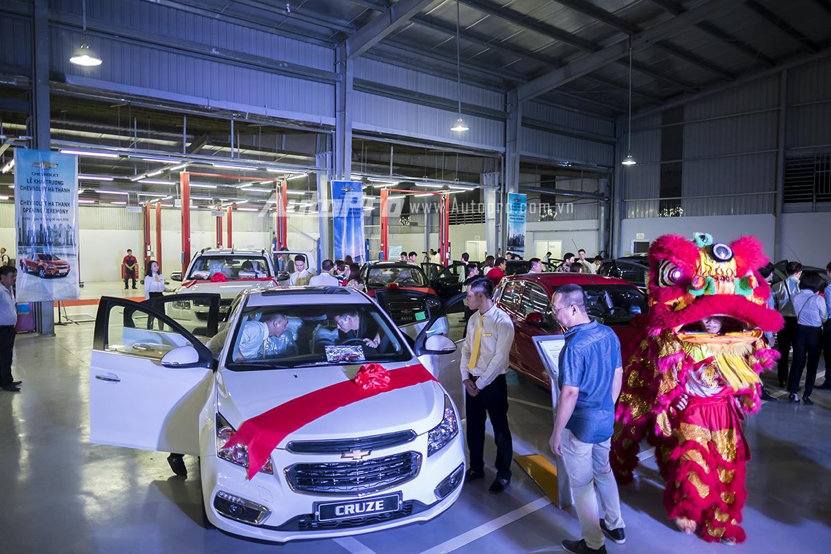 Đại lý Chevrolet Hà Thành cũng sẽ mang tới những mẫu xe Chevrolet mới nhất tới các khách hàng tại khu vực Hà Nội như Chevrolet Captiva REVV hay mẫu xe giá rẻ Chevrolet Spark Duo.