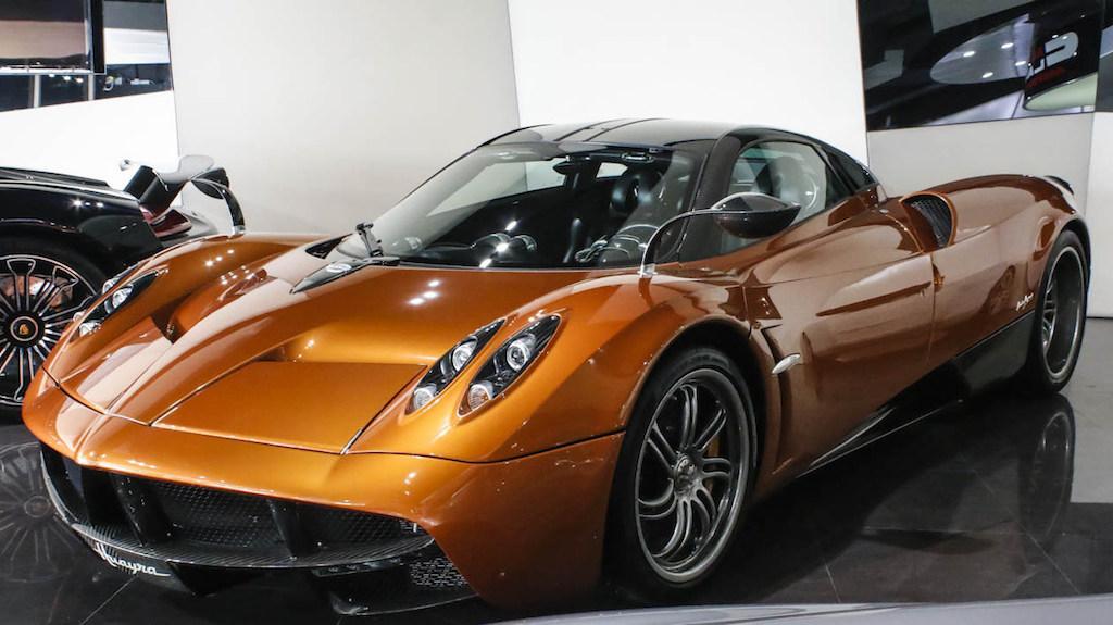 Nguồn gốc của chiếc Pagani Huayra sẽ cập bến Việt Nam được xác nhận là từ một đại lý siêu xe tại Dubai.