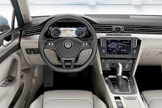 Ngoài ra, xe còn sở hữu thêm hệ thống thông tin giải trí mới nhất có tên gọi MIBII và cũng là nền tảng cho hệ thống thông tin của hãng với các ứng dụng kết nối bao gồm cả Apple CarPlay, Android Auto và Mirror Link. Hệ thống radio CD multicolour và dàn loa cao cấp 8 loa rời đem đến cho chủ nhân chiếc xe những trải nghiệm âm nhạc đầy tuyệt vời.