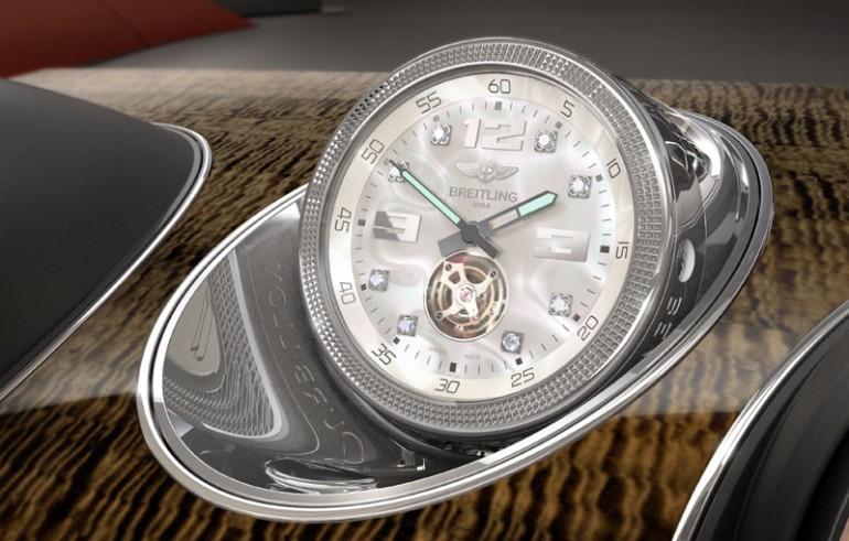 Đồng hồ Breitling Mulliner Tourbillon trong Bentley Bentayga.