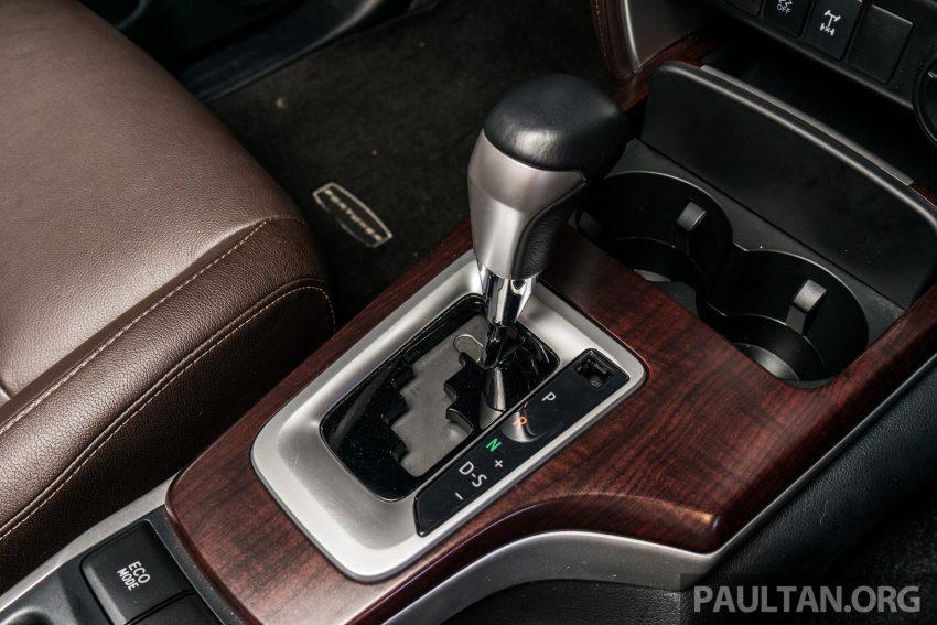 Cả 2 phiên bản đều sử dụng chung hộp số tự động 6 cấp tiêu chuẩn với lẫy gạt chuyển số trên vô lăng. Cả hai phiên bản đều được trang bị các chức năng tiện ích như khởi động không cần chìa khóa, 3 chế độ lái Normal, Eco và Power và gài cầu điện 4WD.