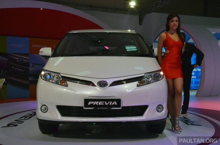 Toyota Previa phiên bản cũ.
