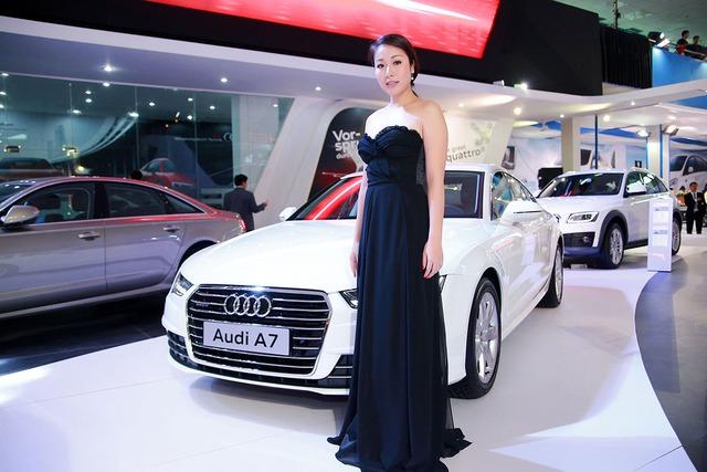 Hoa hậu thế giới người Việt Ngô Phương Lan cùng chiếc Audi A7.