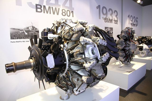 Động cơ máy bay BMW 801 được phục chế và trưng bày tại bảo tàng.