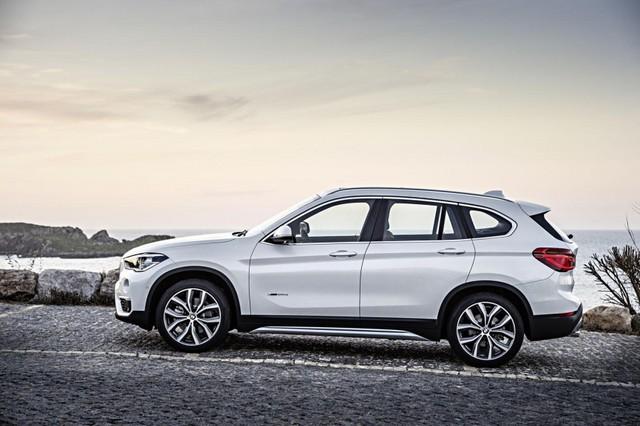 ... so với BMW X1 tiêu chuẩn.