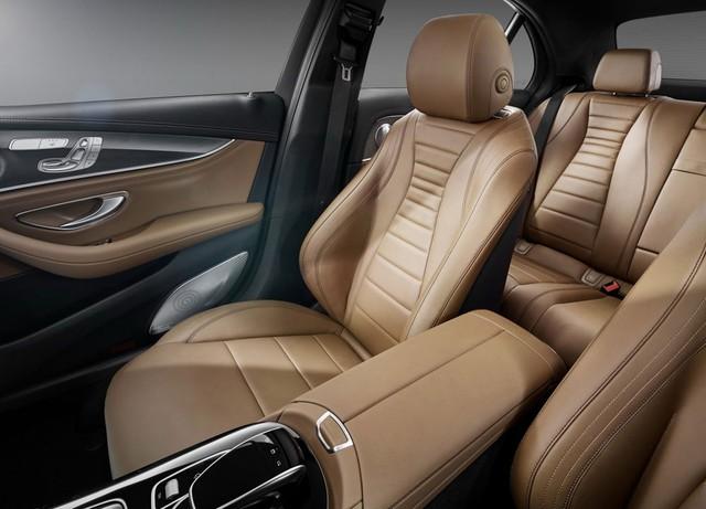 Chưa hết, Theo một số tin đồn, Mercedes-Benz E-Class 2017 có cả hệ thống NFC cho phép người lái xe sử dụng điện thoại di động như chìa khóa nếu có thẻ SIM chống trộm đặc biệt. Cuối cùng là hệ thống đỗ xe từ xa, tương tự trên BMW 7-Series thế hệ mới.