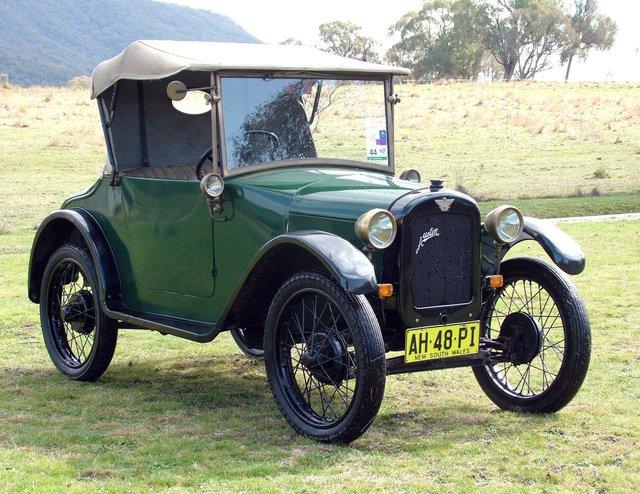 Chiếc Austin 7, mẫu xe Anh mà BMW Dixi 3/15 sử dụng chung khung gầm.