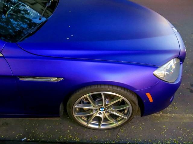 BMW 650i Convertible có giá khoảng 78.000 USD. Về Việt Nam, xe có giá trên 5 tỷ đồng.