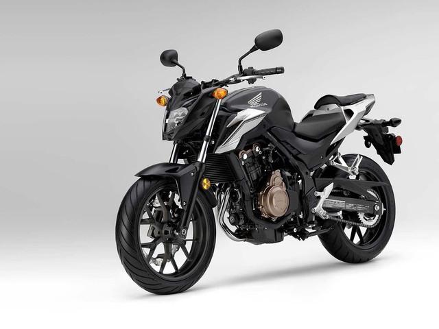 Tại một sự kiện đặc biệt trước thềm triển lãm EICMA 2015, hãng Honda đã chính thức trình làng mẫu mô tô CB500F nâng cấp.