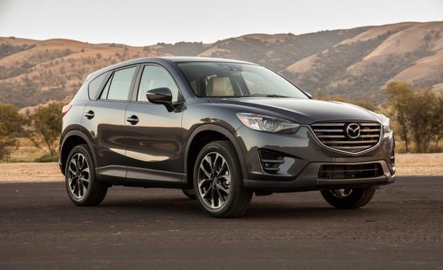 Cụ thể, Mazda CX-5 2016.5 được trang bị camera chiếu hậu đối với phiên bản số tự động 6 cấp. Trong khi đó, bản trang bị tầm trung Mazda CX-5 Touring 2016.5 lại có thêm ghế trước sưởi ấm và hệ thống định vị vệ tinh GPS. Riêng bản trang bị cao cấp Mazda CX-5 Grand Touring được cung cấp hệ thống định vị tiêu chuẩn.