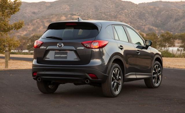 Hệ dẫn động của Mazda CX-5 2016.5 cũng không có gì thay đổi. Xe tiếp tục sử dụng động cơ xăng SkyActiv-G 4 xi-lanh, dung tích 2.0 lít với công suất tối đa 155 mã lực và mô-men xoắn cực đại 203 Nm.