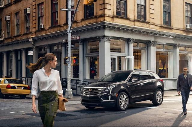 Đúng như thông tin từ trước đó, hãng Cadillac sẽ chính thức trình làng XT5 2017 trong triển lãm Los Angeles năm nay. Tuy nhiên, trước thềm triển lãm Los Angeles, hãng Cadillac đã tung ra những thông tin và hình ảnh chi tiết của tân binh XT5 2017.