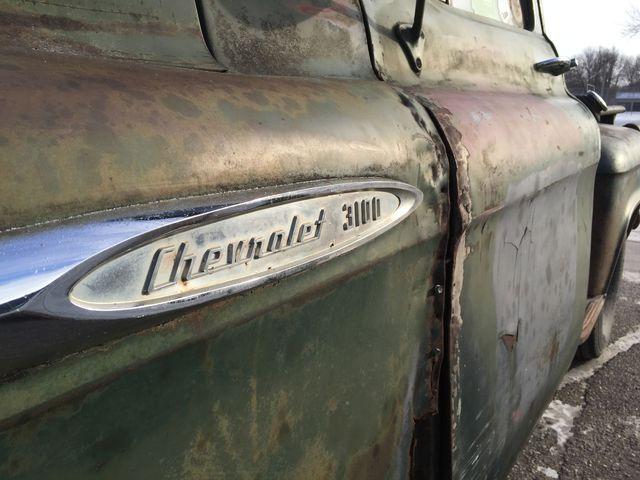 Ông Sportel chưa có ý định cho chiếc xe bán tải cũ của mình nghỉ hưu.