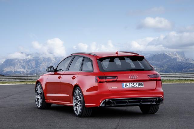 ... và RS6 Avant phiên bản Performance.