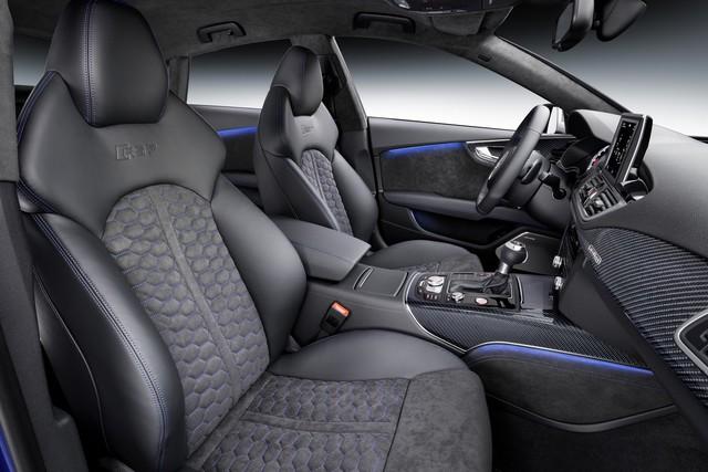 Không gian nội thất của Audi RS7 Sportback phiên bản Performance.