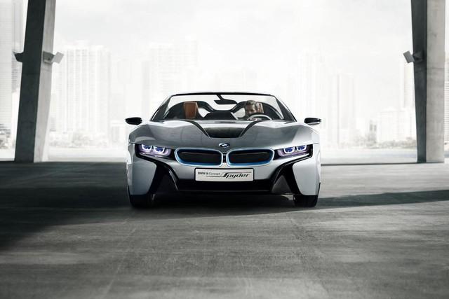 """Mãi đến nay, ông Harald Krüger, chủ tịch tập đoàn BMW, mới xác nhận kế hoạch sản xuất phiên bản mui trần của xe """"hot"""" i8 trong cuộc phỏng vấn với phóng viên tờ Handelsblatt tại Đức."""