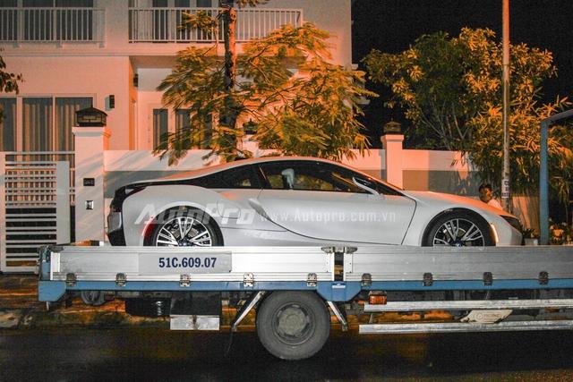 Bên cạnh Lamborghini Huracan, BMW i8 là một trong những mẫu xe tiền tỷ được đại gia Việt ưa chuộng trong thời gian gần đây.