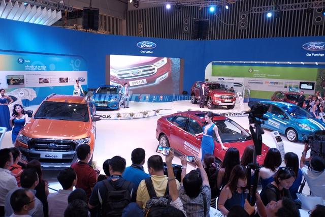 Theo nguồn tin bên lề trong triển lãm VMS 2015, Ford Everest thế hệ mới có giá lên đến 1,4 tỷ Đồng.