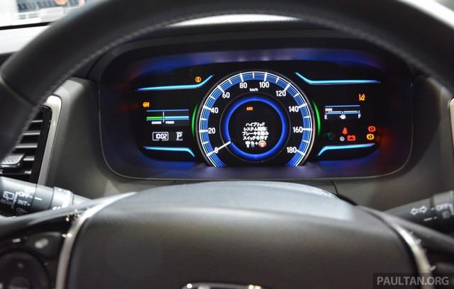 Cụm đồng hồ của Honda Odyssey Hybrid.