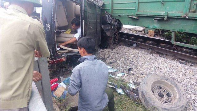 Hiện trường vụ tai nạn tàu hỏa. Ảnh: Minh Lương