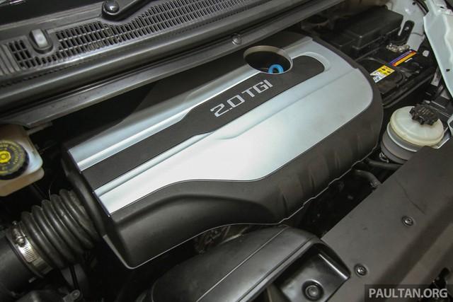 Maxus G10 được trang bị động cơ xăng GDI, tăng áp, dung tích 2.0 lít, sản sinh công suất tối đa 225 mã lực và mô-men xoắn cực đại 345 Nm. Sức mạnh được truyền tới bánh thông qua hộp số tự động ZF 6 cấp. Nhờ đó, mẫu xe MPV 11 chỗ này có thể đạt vận tốc tối đa 190 km/h.