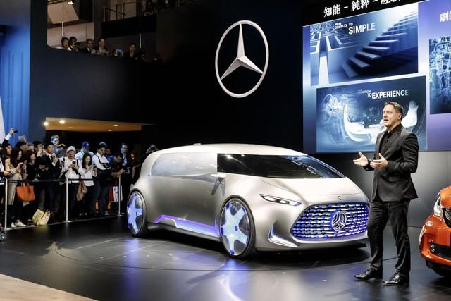 Sau hình ảnh úp mở, mẫu xe Mercedes-Benz Vision Tokyo đã chính thức trình làng trong triển lãm Tokyo 2015.