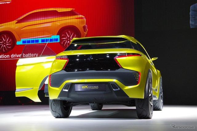 Là mẫu xe concept của một nhãn hiệu Nhật Bản nên chẳng có gì lạ khi Mitsubishi eX được trang bị công nghệ lái tự động cùng hàng loạt các hệ thống an toàn và hỗ trợ nhằm đảm bảo an toàn tối đa cho người lái.