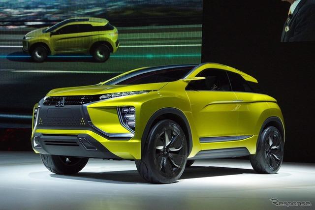 Năm nay, hãng sản xuất xe hơi Mistsubishi đã mang mẫu xe crossover eX tới triển lãm Tokyo 2015.