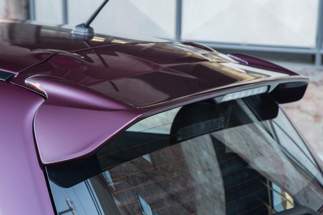 Cánh gió mui của Mitsubishi Mirage nâng cấp.