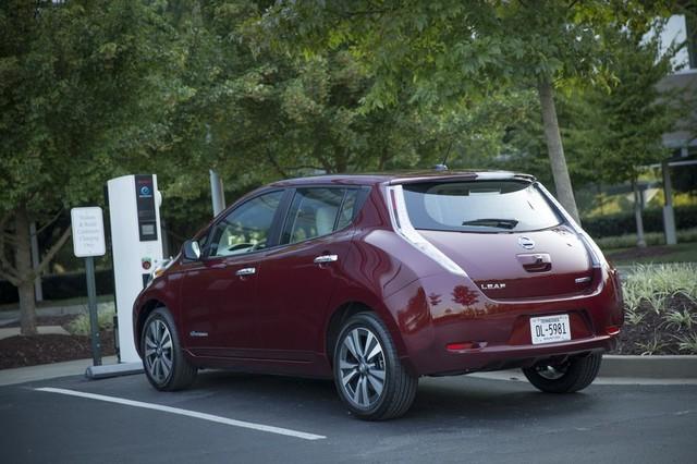 Không chỉ mang đến nhiều năng lượng hơn, cụm pin 30 kWh mới còn có khả năng sạc nhanh hơn hẳn.