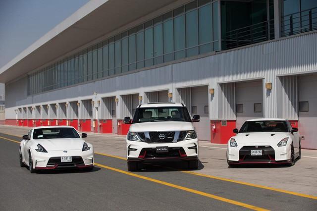 Từ trái qua phải: bộ ba Nissan 370Z Nismo, Patrol Nismo và GT-R Nismo ra mắt thị trường Trung Đông.