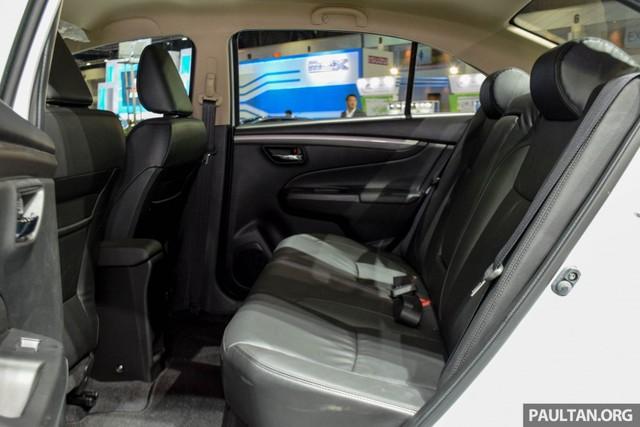 Như đã biết, Suzuki Ciaz vốn sở hữu thiết kế khá lớn so với dòng xe thuộc phân khúc B. Các số đo cơ bản của Suzuki Ciaz bao gồm chiều dài tổng thể 4.490 mm, rộng 1.730 mm và cao 2.650 mm. Nói cách khác, những thông số này giống với sedan thuộc phân khúc C hơn.