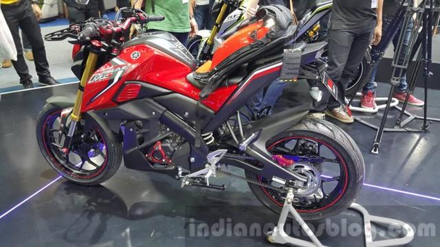 YAMAHA R15 2.0 : Mô tô thể thao Yamaha R15 đặc biệt mới lộ