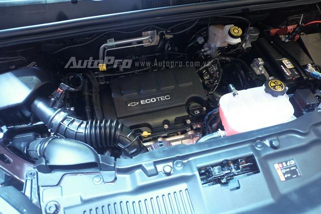 Chiếc SUV cỡ nhỏ sử dụng động cơ Ecotec, dung tích 1.4 lít, tăng áp, sản sinh công suất cực đại 140 mã lực tại vòng tua máy 4.900 vòng/phút, mô-men xoắn cực đại 200 Nm. Hộp số tự động 6 cấp với chế độ ngắt tải khi xe không di chuyển.