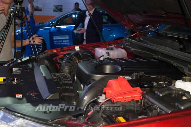 Ford Everest thế hệ mới được trang bị hai phiên bản động cơ diesel. Đầu tiên là động cơ diesel Duratorq TDCi 4 xi-lanh, tăng áp, dung tích 2,2 lít, sản sinh công suất tối đa 158 mã lực và mô-men xoắn cực đại 385 Nm. Thứ hai là động cơ diesel Duratorq TDCi, 5 xi-lanh, dung tích 3,2 lít với công suất tối đa 197 mã lực và mô-men xoắn cực đại 470 Nm. Cả hai động cơ đều kết hợp với hộp số tự động 6 cấp.