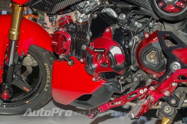 Dàn máy bắt mắt của chiếc MSX phong cách Ducati Hypermotard.
