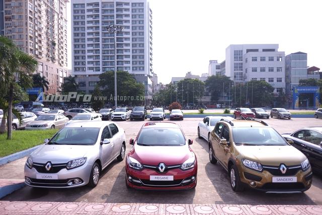Renault trong triển lãm Ô tô Quốc tế Việt Nam (VIMS) 2015 sẽ trưng bày 3 mẫu xe hoàn toàn xa lạ với người tiêu dùng Việt nam là Duster, Logan và Sandero Stepway.
